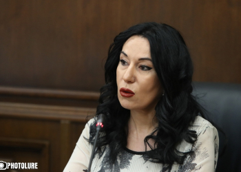 Members of 'Prosperous Armenia'  faction Mikayel Melkumyan and Naira Zohrabyan hold parliamentary briefings at the RA NA